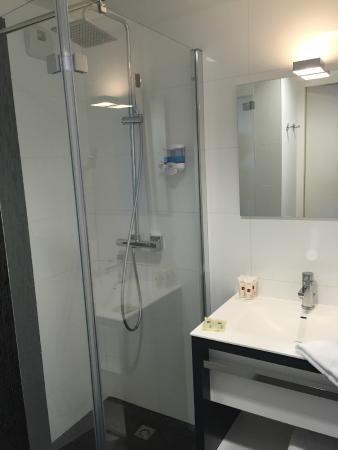Salle De Bain Parents Photo De Qualys Hotel Spa Vannes Vannes - Salle de bain vannes