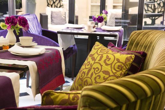 Hotel Arioso: Salle de petit déjeuner