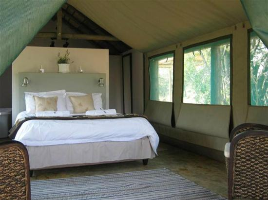 B'sorah Luxury Tented Camp: Swempie Tent room from outside