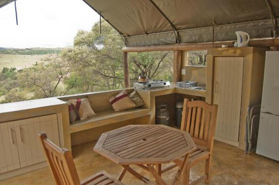B'sorah Luxury Tented Camp: Swempie Tent kitchen area