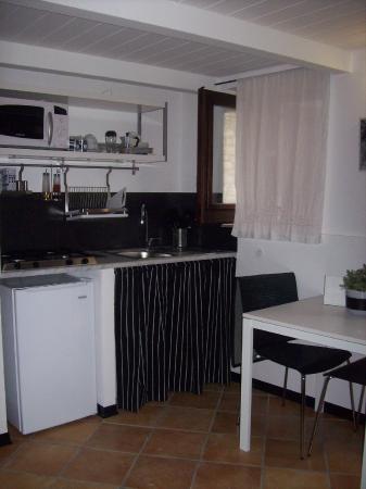 cucina stile moderno - Foto di Borgo i Stritti, Petralia Soprana ...