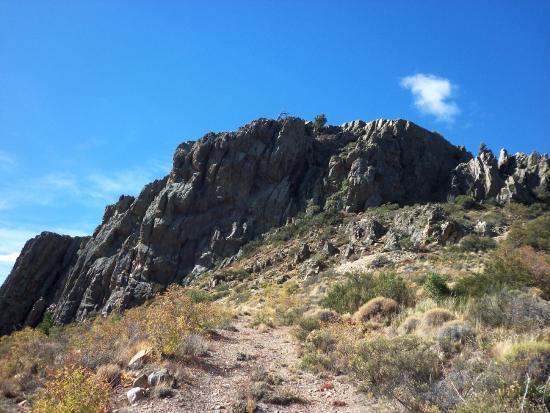 Cavernas del Viejo Volcan Parque Cerro Leones: Subiendo al Cerro Leones