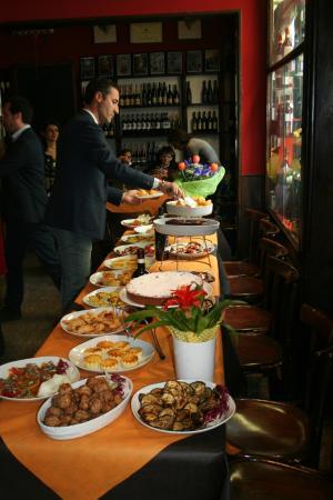Il buffet di antipasti - Foto di LOSTU, Torino - TripAdvisor