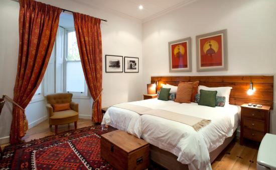 22 Die Laan Self-Catering Accommodation: Classic Room with Bay Window facing the Avenue and the Eerste River