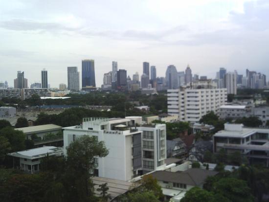 Royal Asia Lodge Bangkok: Vue du toit de l'hôtel depuis la piscine
