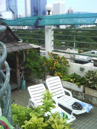Royal Asia Lodge Bangkok: terrasse piscine sur le toit du 8è