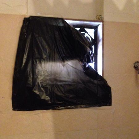 Yash Resort : bathroom
