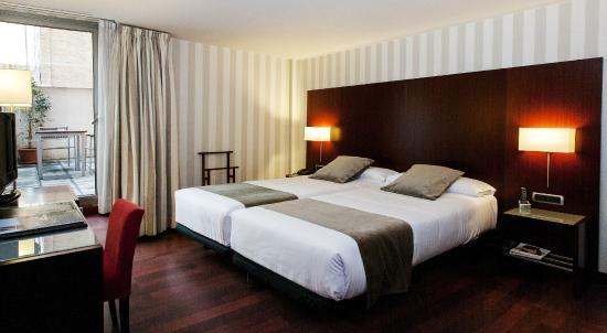 Hotel Zenit Borrell: Habitación con Terraza
