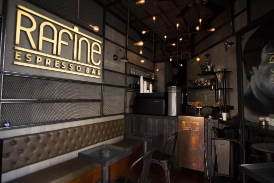 ‪Rafine espresso bar‬