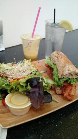 Canteen 900: Enjoyed my first visit, my and juiced drink were amazing! So happy to live close by and definite