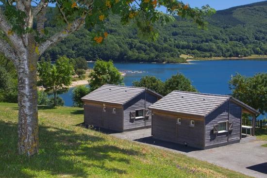 Les rives du lac du laouzas nages tarn voir les tarifs et avis camping tripadvisor - Les chambres d hotes du lac ...