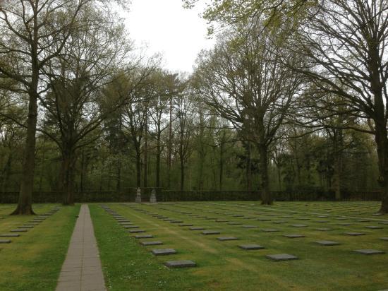 Vladslo German War Cemetery : de begraafplaats