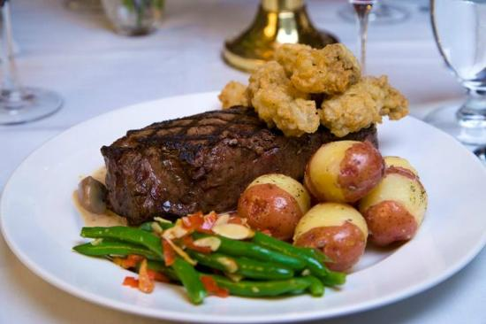 Owens' Restaurant: Ribeye and oyster combination