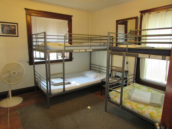 Wanderfalls Guesthouse & Hostel: Mixed Dorm
