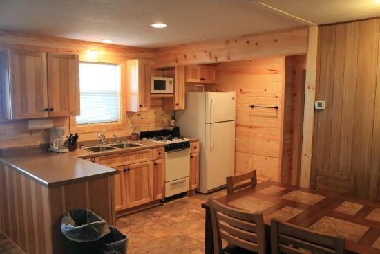 Miltona, MN: Cabin 8- Sandy Beach