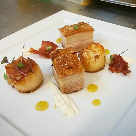 Capistrano Restaurant : pork belly & scallops