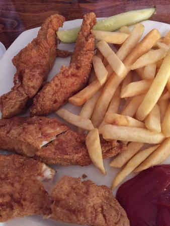 White Front Cafe: Chicken strips n fries