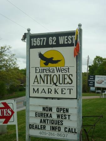 ‪Eureka West Antiques Market‬