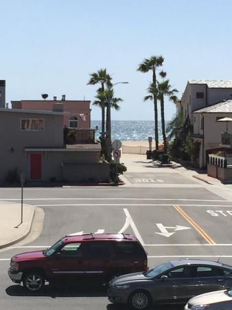 BEST WESTERN PLUS Newport Beach Inn: View of the beach/ocean from my room