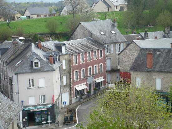 Art de Vivre : het hotel vanaf de toren in het dorp