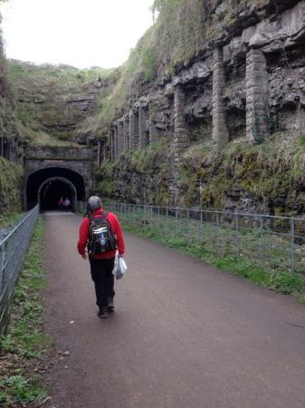 Great Longstone, UK: Walking the Monsal Trail
