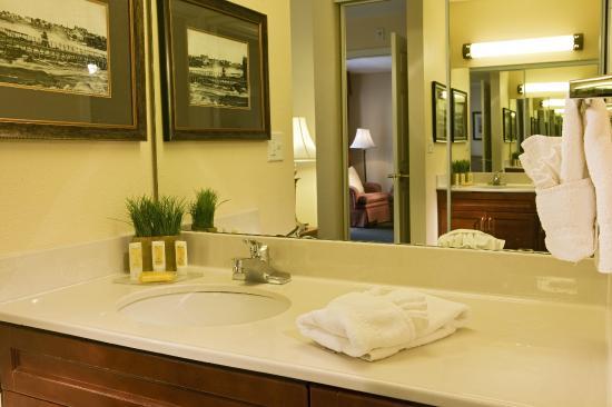 Энглвуд, Колорадо: Guest Bathroom