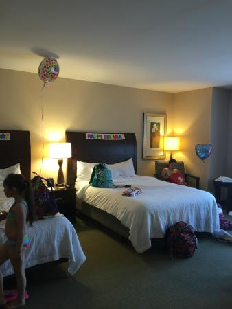 Hilton Garden Inn Ridgefield Park: decorations somewhat before the girls started messing with everything