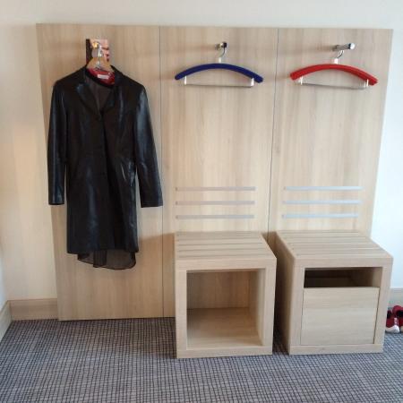 Park Inn by Radisson Linz: Their idea of a closet