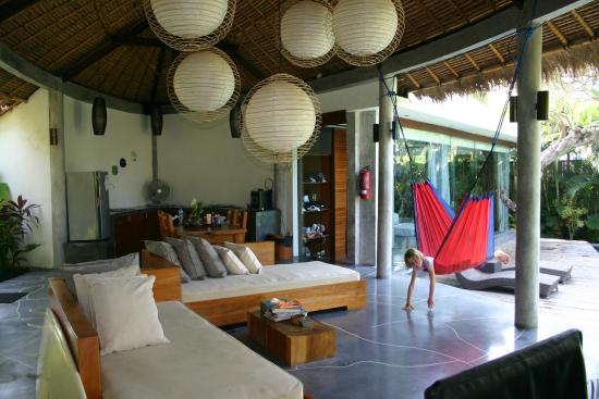 The Green Room Canggu: villa lounge