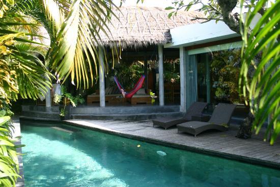 The Green Room Canggu: villa pool