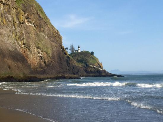 Cape Disappointment State Park: Beach near campground