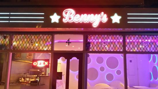 Benny's BurgerTown