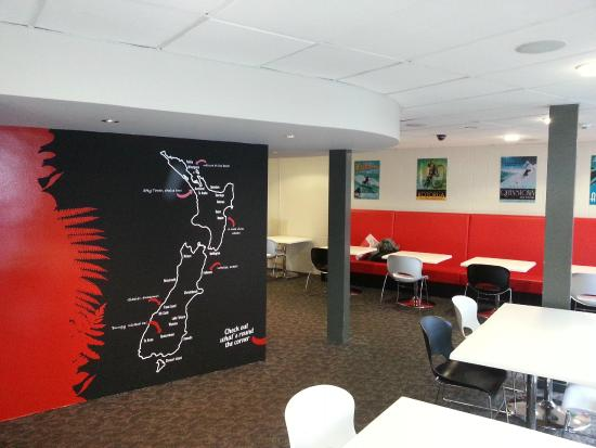 YHA Auckland City lounge