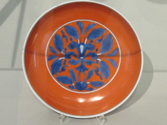 Museum für Kunst und Gewerbe: Rare 18th c. chinese porcelain.