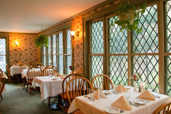 The Crocker House Country Inn: Main dining room