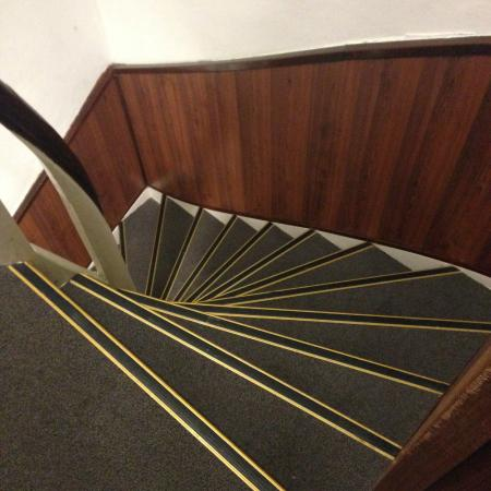 Hotel Flipper: Steep spiral-ish staircase