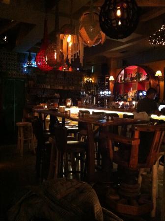 Sokaki Cafe : Η εκπαγλη ομορφια ενος μπαρ!