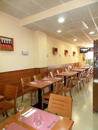 Alau Restaurant & Tapes