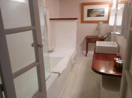 Pousada Casa de Paraty: Banheiro - Suite Principal. Um encanto!