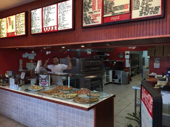 Catanzareti Pizza and Restaurant: Catanzareti's