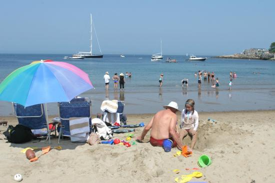Mary's by the Sea Rockport: Summer fun and sand