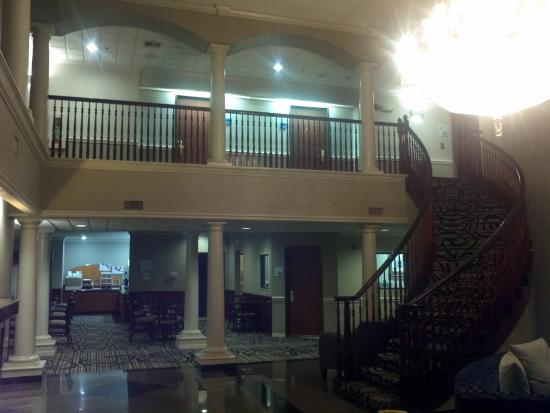 Holiday Inn Express Hotel & Suites Lake Charles: lobby