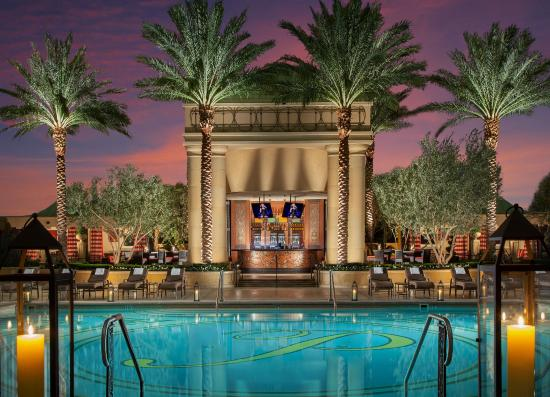The palazzo resort hotel casino updated 2018 prices for Pool show las vegas 2018