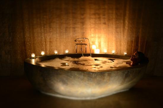 Makepeace Island: Villa Volcanic Bath