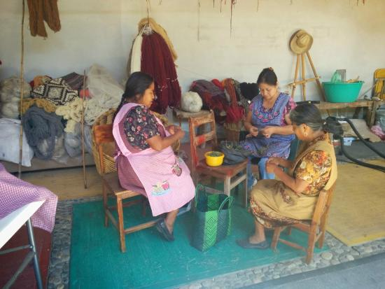Isaac Vasquez Studio: The women are preparing natural dyes from local flowers