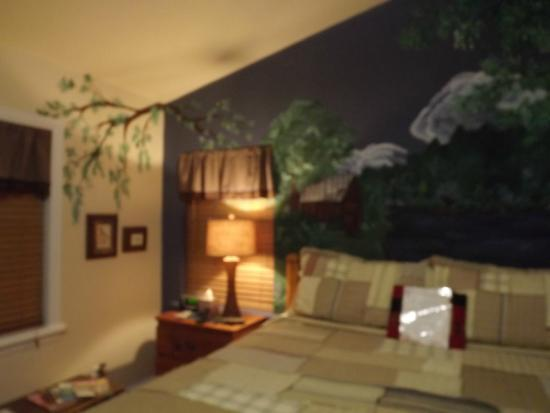 Palmer House Bed and Breakfast: The Mountain Cabin Room