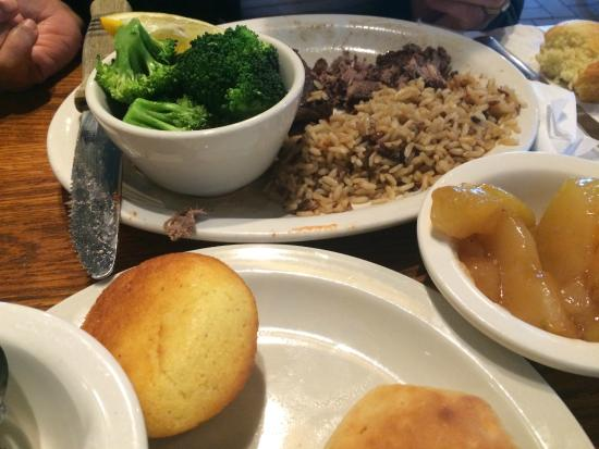 Cracker Barrel: Salisbury Steak, and Brown Rice Pilaf with Broccoli and stewed applies, with corn bread.