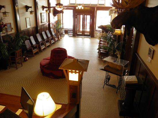 Soda Springs, ID: hotel lobby