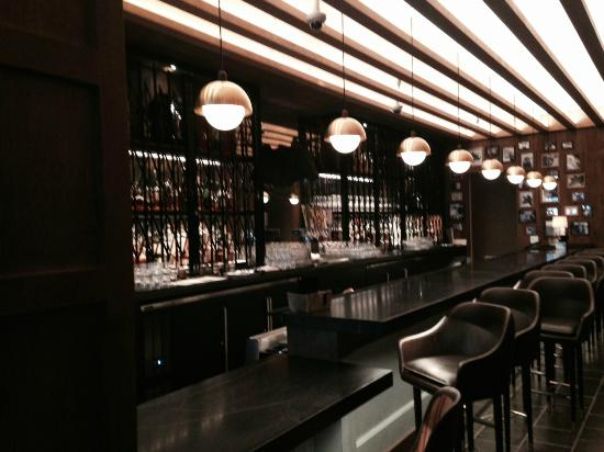 Loews Chicago Hotel Restaurant Bar