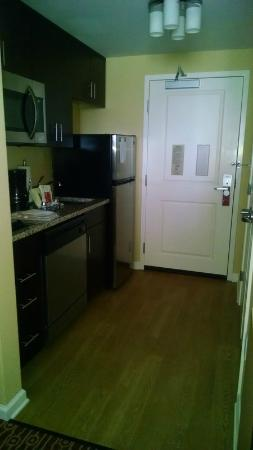 TownePlace Suites Chattanooga Near Hamilton Place : kitchenette in room